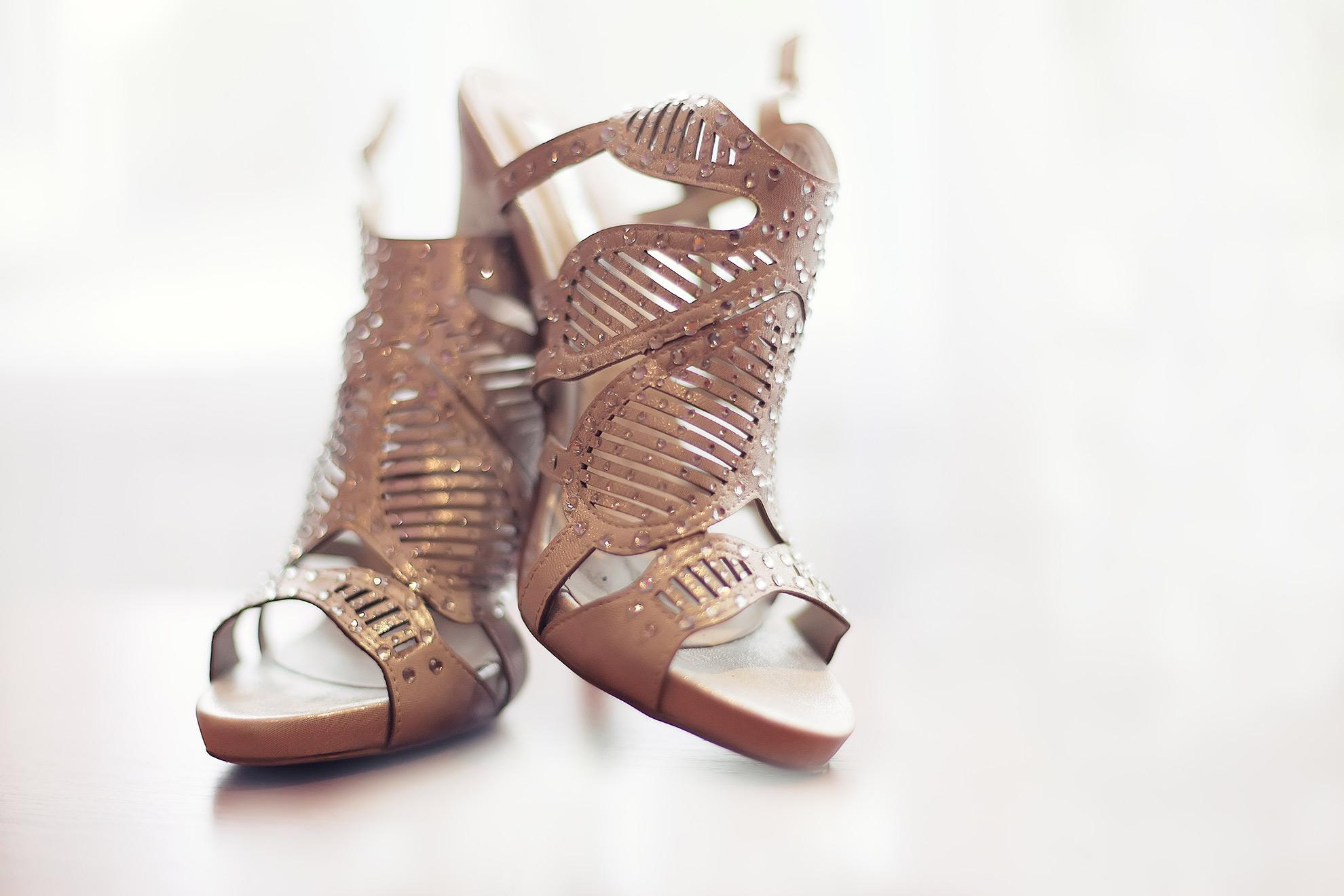 Ażurowe sandały, ilustracja do artykułu