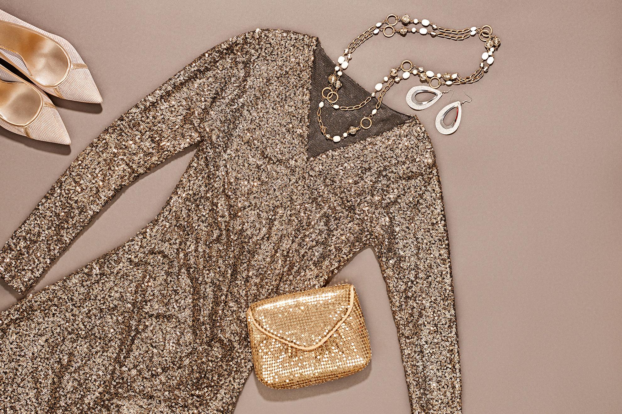 Złota sukienka, ilustracja do artykułu o żakietach do złotej sukienki